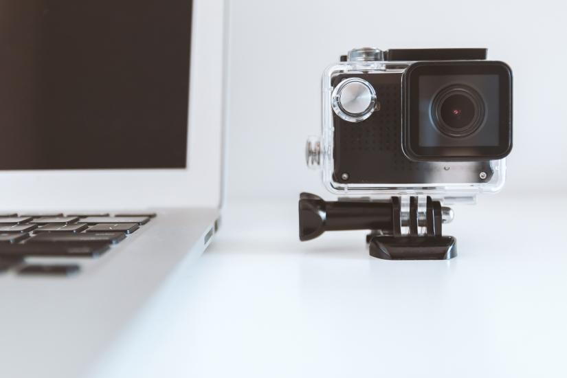 Creative Crack: What isvlogging?